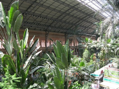 Station Atocha - dit is IN de stationshal!